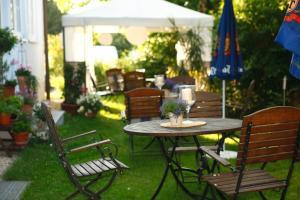 Hotelpension zum Gockl, Гостевые дома  Аллерсхаузен - big - 52