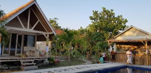 The Deny's Huts, Privatzimmer  Nusa Lembongan - big - 38