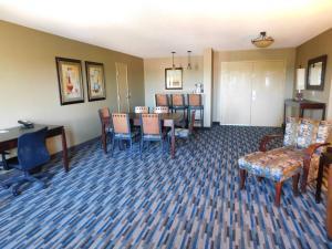 Days Hotel by Wyndham Mesa Near Phoenix, Szállodák  Mesa - big - 42