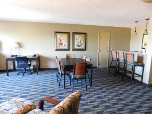 Days Hotel by Wyndham Mesa Near Phoenix, Szállodák  Mesa - big - 41
