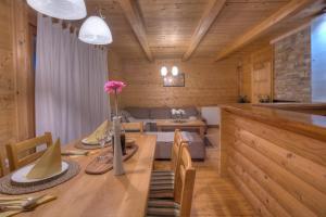 Villa Natural Wood, Ferienwohnungen  Zlatibor - big - 34