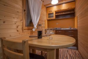 Villa Natural Wood, Ferienwohnungen  Zlatibor - big - 28