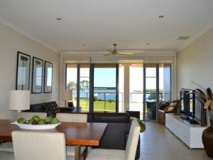 Watermark 2, Holiday homes  Yamba - big - 11