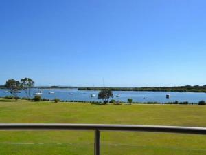 Watermark 2, Holiday homes  Yamba - big - 1