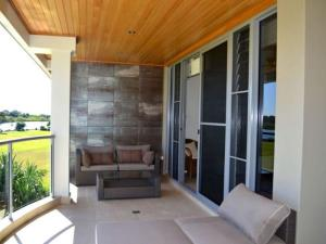 Watermark 2, Holiday homes  Yamba - big - 13