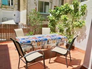 Two-Bedroom Apartment with Terrace (1-4 Adults)