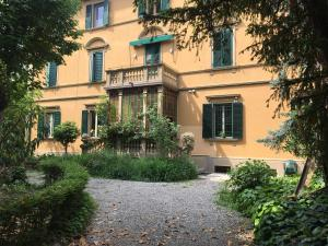 Chez Fratellini, deluxe flat with garden & parking - AbcAlberghi.com