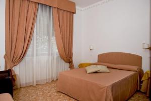Lady Rose Bed & Breakfast(Pisa)