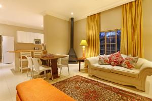 Two-Bedroom Holiday Home - Seabiscuit Cottage