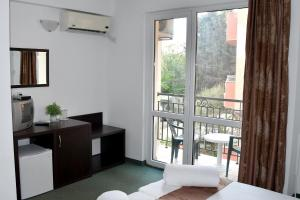 Family Hotel Asai, Hotels  Ravda - big - 24