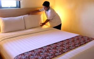 D Inn Rungkut Juanda Surabaya, Hotely  Surabaya - big - 14