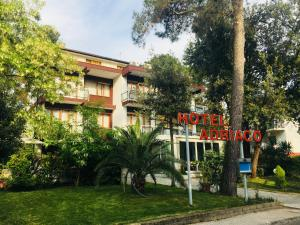 Hotel Adriaco, Szállodák  Grado - big - 17