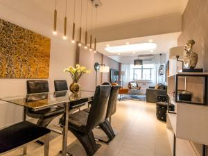 Large Boutique Style Apartment - Upper House, Апартаменты  Гонконг - big - 37