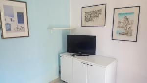 Appartamento con ampio giardino 19, Dovolenkové domy  Torre dell'Orso - big - 16