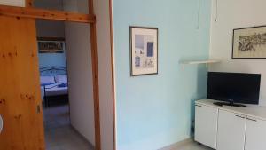 Appartamento con ampio giardino 19, Dovolenkové domy  Torre dell'Orso - big - 18