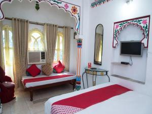 OYO 12726 Home Heritage Lake View Hanuman Ghat, Apartments  Udaipur - big - 13