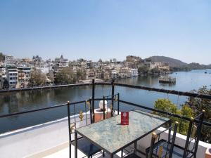 OYO 12726 Home Heritage Lake View Hanuman Ghat, Apartments  Udaipur - big - 18