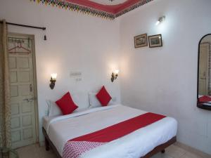 OYO 12726 Home Heritage Lake View Hanuman Ghat, Apartments  Udaipur - big - 1