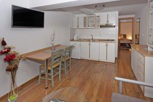 Appartement Aida AP1, Апартаменты  Пореч - big - 17