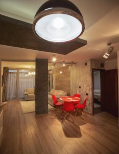 Q Apartments, Apartments  Braşov - big - 41