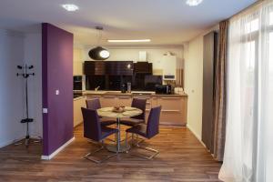 Q Apartments, Apartments  Braşov - big - 46