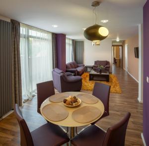 Q Apartments, Apartments  Braşov - big - 48