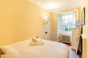 Idyllic Calton Hill Cottage, Apartmanok  Edinburgh - big - 31