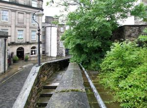 Idyllic Calton Hill Cottage, Apartmanok  Edinburgh - big - 28