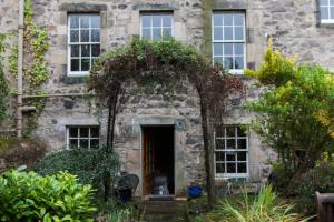 Idyllic Calton Hill Cottage, Apartmanok  Edinburgh - big - 6