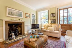 Idyllic Calton Hill Cottage, Apartmanok  Edinburgh - big - 24