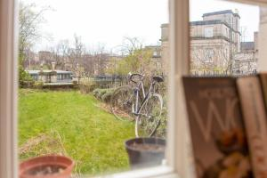 Idyllic Calton Hill Cottage, Ferienwohnungen  Edinburgh - big - 25