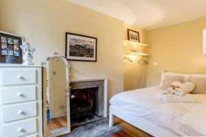 Idyllic Calton Hill Cottage, Apartmanok  Edinburgh - big - 4