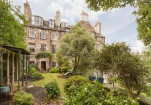 Idyllic Calton Hill Cottage, Apartmanok  Edinburgh - big - 20