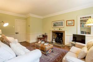 Idyllic Calton Hill Cottage, Apartmanok  Edinburgh - big - 14