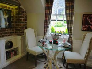 The Wee Palace by Castle, Apartments  Edinburgh - big - 13