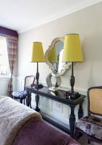The Wee Palace by Castle, Apartments  Edinburgh - big - 7