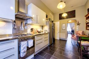 3 Bed City Centre Flat, Apartmány  Edinburgh - big - 34