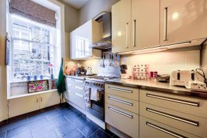 3 Bed City Centre Flat, Apartmány  Edinburgh - big - 20