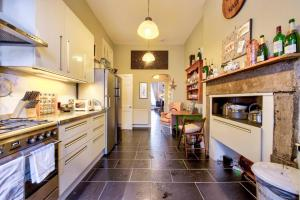 3 Bed City Centre Flat, Apartmány  Edinburgh - big - 17