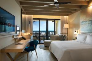 Premium Sea View Room - King Bed