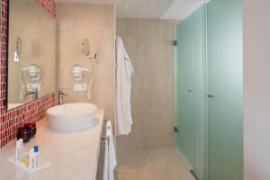 Aequora Lanzarote Suites, Hotely  Puerto del Carmen - big - 33
