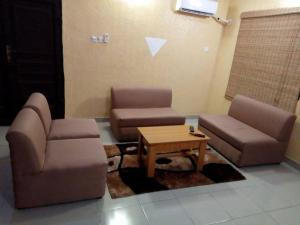 Full Service 3 Bedroom Flats, Apartmány  Ikeja - big - 18