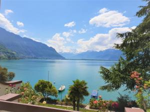 Montreux Lake View 2 Bedroom Apartments