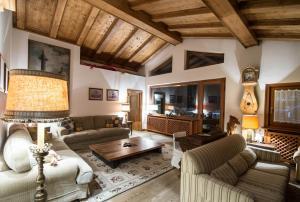 CanguroProperties - Ca' Mora - Apartment - Cortina d`Ampezzo