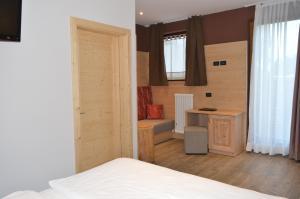 Hotel Garni Minigolf, Отели  Ледро - big - 50