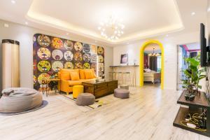 Tianzifang Three-Bedroom Apartment