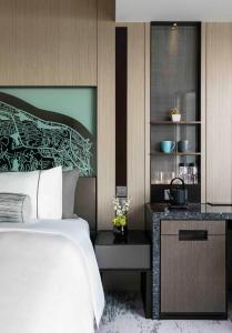 Urban King or Two Double Beds with Harbour View