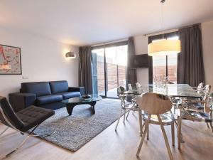 Apartment - Split Level (12 Adults)