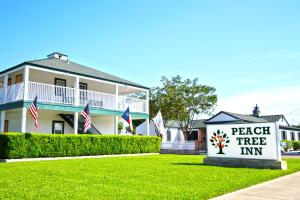 Peach Tree Inn & Suites, Hotely  Fredericksburg - big - 1
