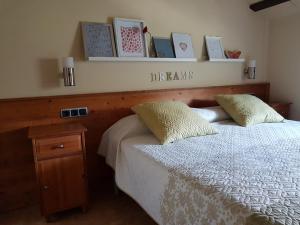 Les Muntades, Apartments  Jorba - big - 28